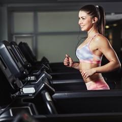 Что лучше для жиросжигания? Кардио или силовая тренировка?